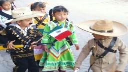 Desfilan Jardines de Niños en el Centenario de la Revolución