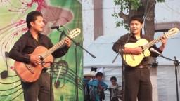 Como Un Duende - Javier y Jorge Luis